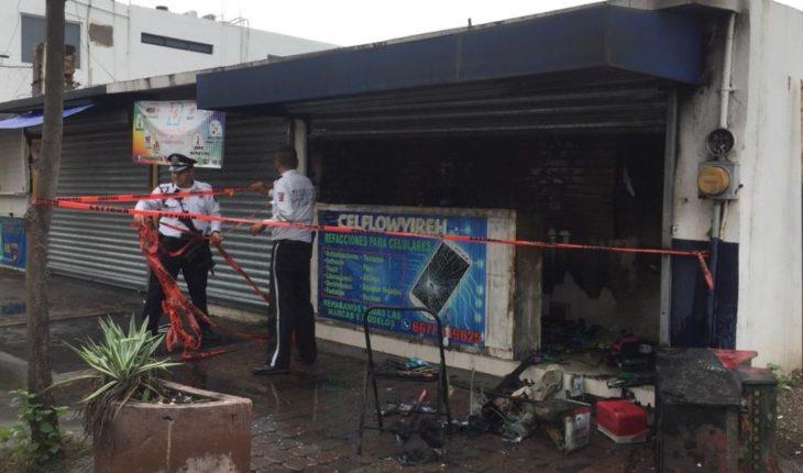 Se incendia negocio en el Centro de Culiacán