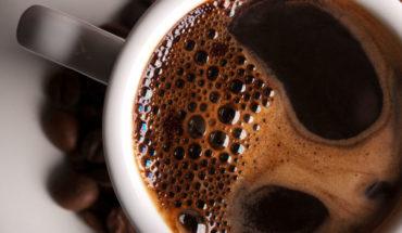 Tomar dos tazas de café al día te podría salvar la vida y esta es la razón