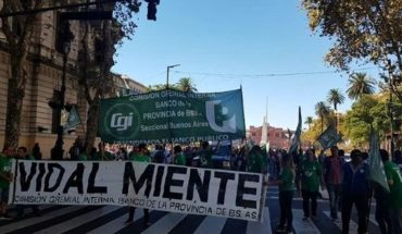 """Trabajadores del Banco Provincia en alerta por la """"maldita"""" Ley 15.008: piden su inconstitucionalidad"""