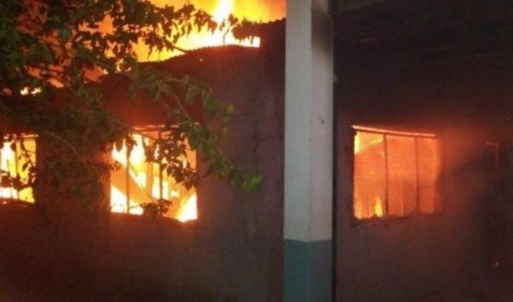 Un menor detenido por el incendio en la escuela de Moreno