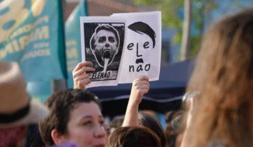 """""""Él no"""": Bolsonaro recibe alta y enfrenta resistencia de miles de mujeres en Brasil"""