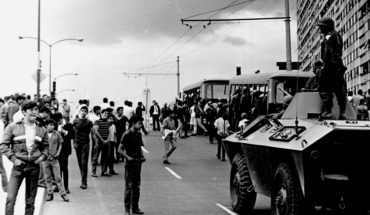 1968: Students demand dialogue without tanks or bayonets