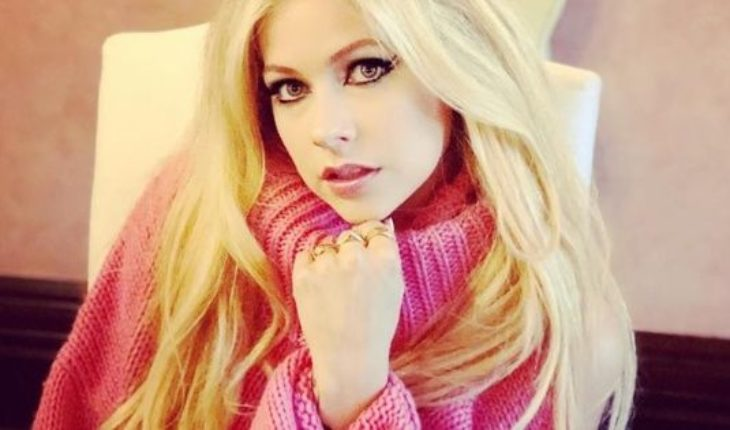 Avril Lavigne wrote an emotional letter to his fans on the occasion of his return after his illness