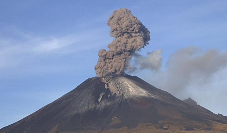 Cae ceniza en 9 delegaciones tras explosiones en el Popo