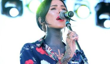 Cande Tinelli premiered his first song and video clip where it appears without tattoos!
