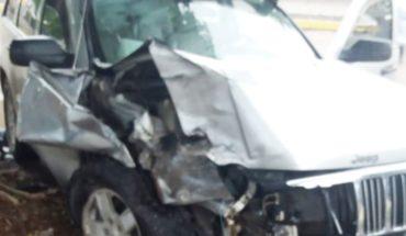 Cherokee choca contra vagoneta estacionada en Praderas de Villa