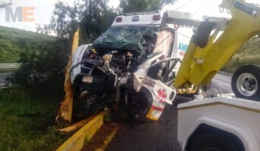 Clash of the Zamora SUMICH against tree ambulance leaves three injured in Tarímbaro, Michoacán