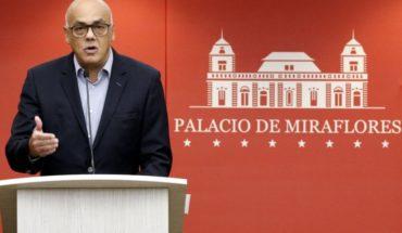 Culpan a funcionario de embajada chilena en Venezuela de ayudar en supuesto atentado contra Nicolás Maduro
