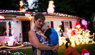Destruyen adornos que vecinos habían puesto para que niño enfermo de cáncer terminal celebrara Navidad