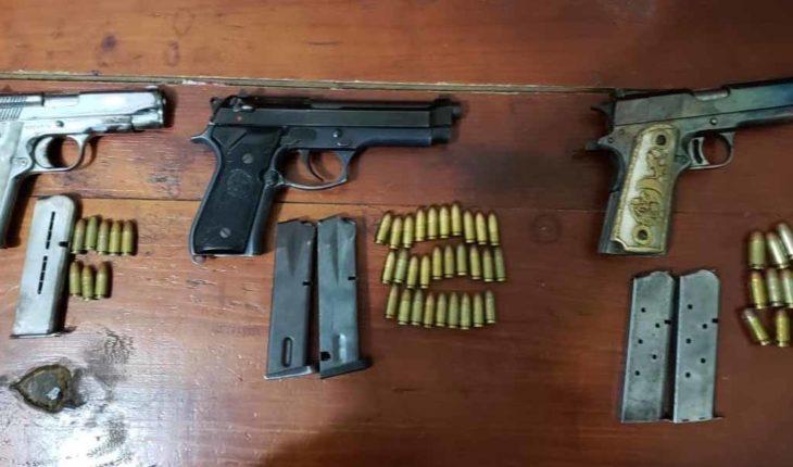 Detienen a tres sujetos armados en Nocupétaro; se decían policías del municipio