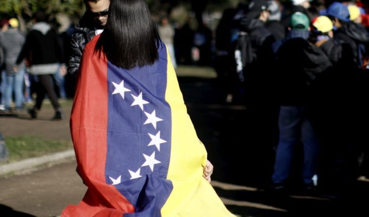 """Eleven countries in the region asked to continue hosting with """"open arms"""" Venezuelans"""