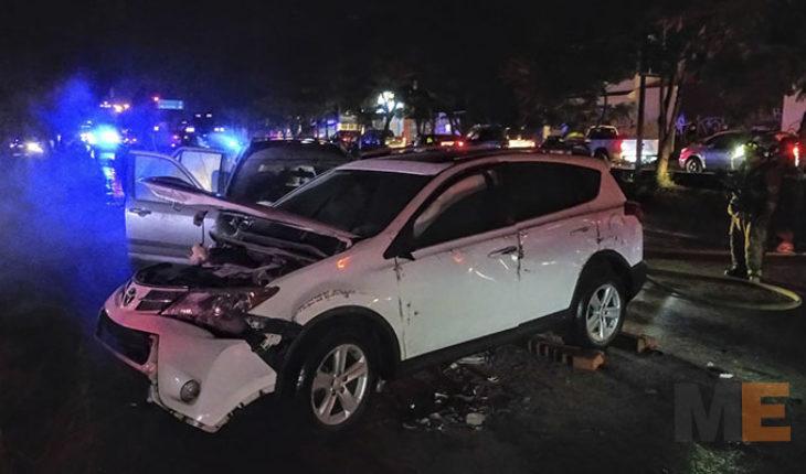 En Morelia, Michoacán, se incendian dos camionetas en carambola