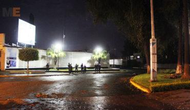 Encuentran el cadáver de un hombre en el Paseo Lázaro Cárdenas en Uruapan, Michoacán