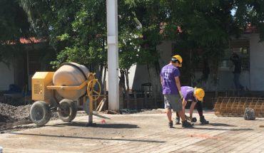 Manos extranjeras reconstruyen escuela dañada el 19S en Jojutla