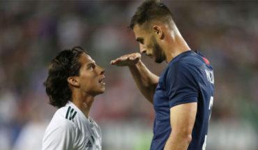 Matt Miazga mocks striker Diego Lainez stature during friendly match