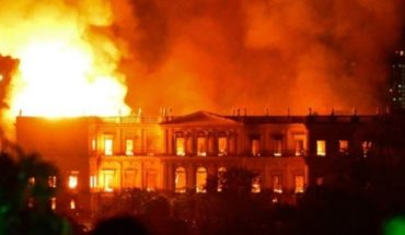 """National Museum of Brazil in Rio de Janeiro: researchers who entered the fire to rescue artifacts """"irreplaceable"""""""