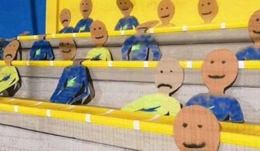 Por falta de hinchas llenaron el estadio con figuras de cartón