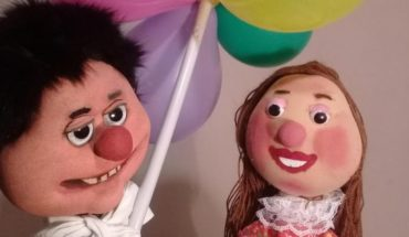 """Puppet theatre """"Pedro Urdemales and the selling of balloons"""" in violet Museum"""
