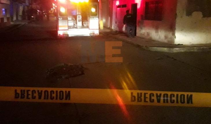 Salía de una fiesta junto a su novia y es atacado a balazos en Uruapan, queda malherido