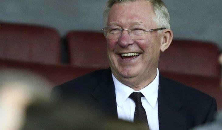 Sir Alex Ferguson regresó a Old Trafford tras su operación cerebral