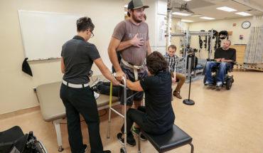 Un paralítico consiguió caminar gracias a estimulación eléctrica