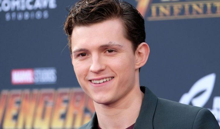 ¡Furor arácnido! Tom Holland muestra el nuevo traje de Spider-Man