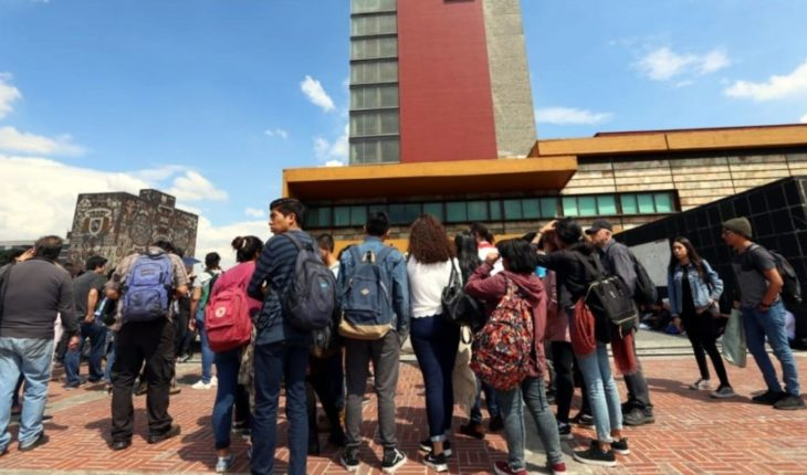 Amagan estudiantes con plantón en Rectoría