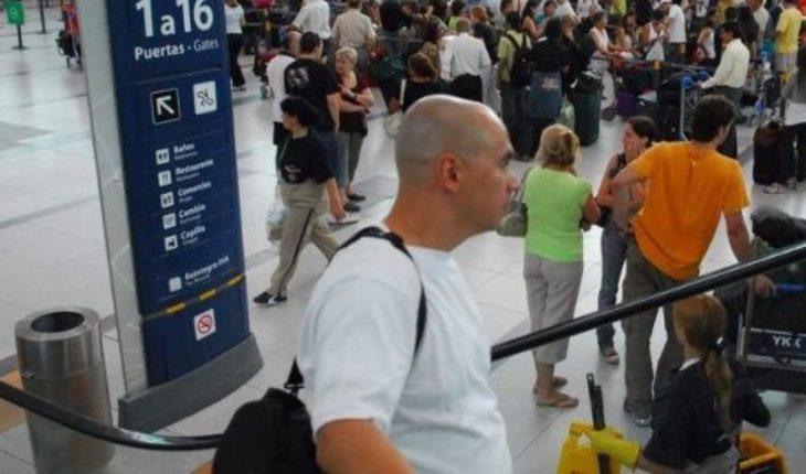 Cada vez son más los trabajadores que quieren irse del país: 50,4%
