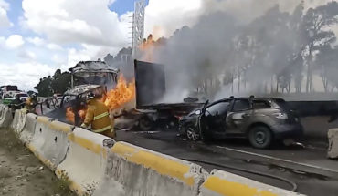 Carambola en la autopista Puebla-Orizaba, deja un conductor calcinado y al menos seis heridos