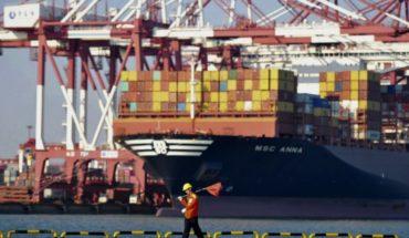 China ralentiza crecimiento económico ante pugna con EEUU