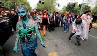 Cientos de zombies se tomaron las calles de Santiago