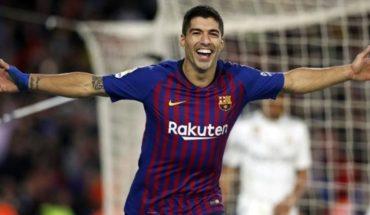 Con Messi mirando desde la platea, Barcelona se floreó ante el Real Madrid