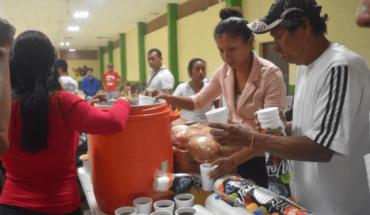 Descoordinación, pocos alimentos y agua a migrantes