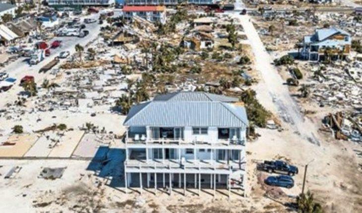"""""""El palacio de arena"""": la casa que resistió al huracán Michael"""