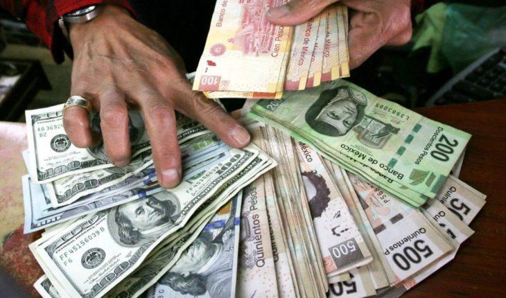 El peso vivió su peor día frente al dólar en dos años