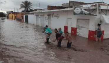 Emergencia en Tecuala por desborde del río Acaponeta