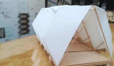 Estudiantes diseñan casas temporales resistentes a desastres naturales
