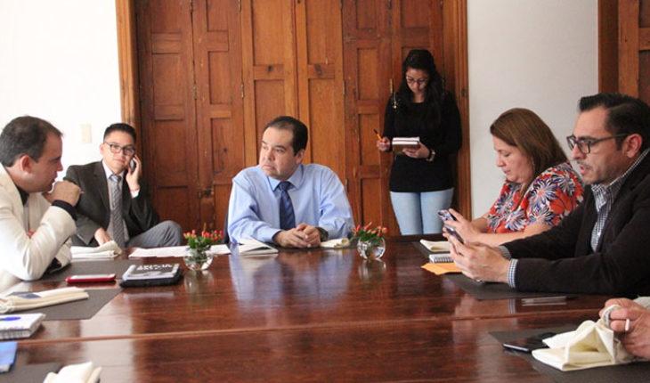 Iniciativa de reforma a la Ley de Remuneraciones de Servidores Públicos, tema pendiente: Martínez Soto
