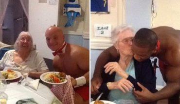 Le cumplieron el sueño a una mujer de 89 años: strippers en el geriátrico