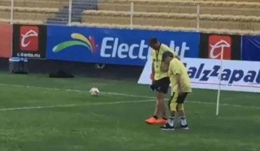 Maradona ya no tiene cartílagos en las rodillas y necesita unas prótesis, explica su médico