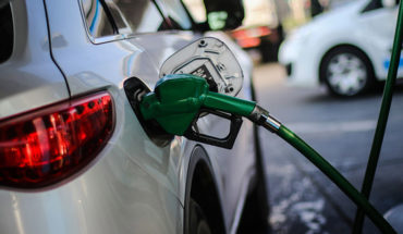 """Ministro de Economía por alza de combustibles: """"Veremos si hay una solución posible"""""""