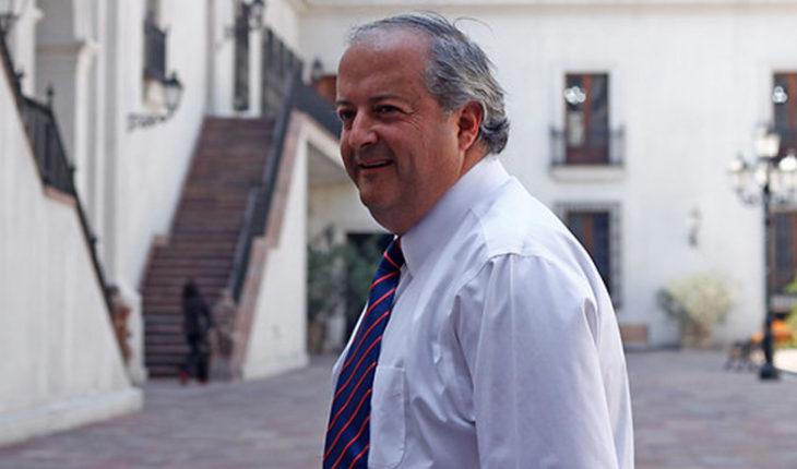 """Ministro del Trabajo aseguró que con la reforma de pensiones """"por primera vez no se deja fuera a la clase media"""""""