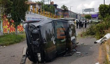 Mujer queda herida en volcadura de camioneta en Morelia