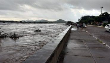 Río Baluarte, a punto desbordarse; piden evacuar en Rosario