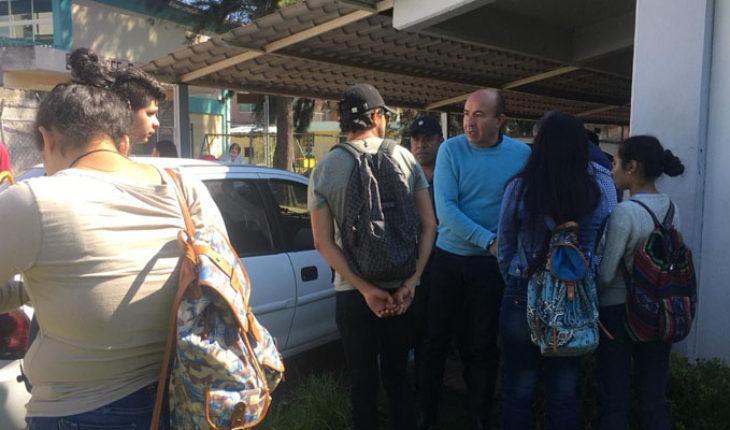 Secretario de educación en Michoacán visita Escuela Normal Superior