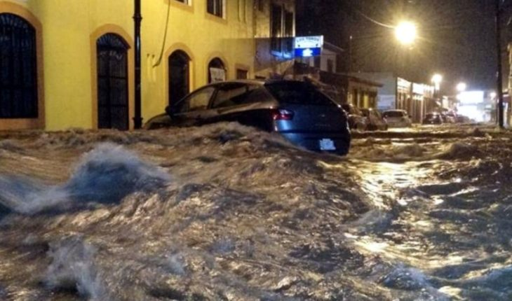 Tormenta eléctrica inunda a Colima