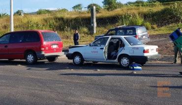 Tras choque de taxi contra camioneta, mujer embarazada queda lesionada en Zamora, Michoacán