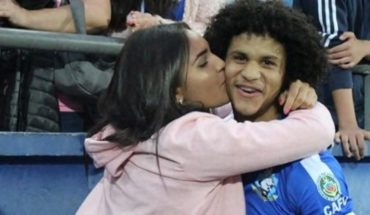 Un partido insólito: hizo un gol, le propuso casamiento a su novia y se fracturó
