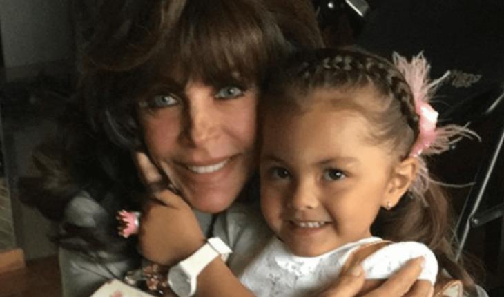 Verónica Castro y su nieta son arrastradas por paracaídas