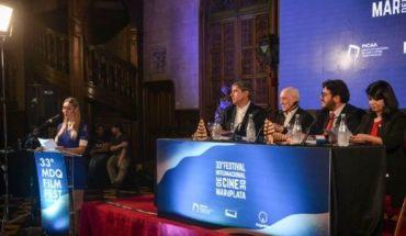 Actores unidos en una presentación del Festival Internacional de Cine de Mar del Plata